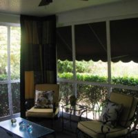 Corner window curtain becomes easy