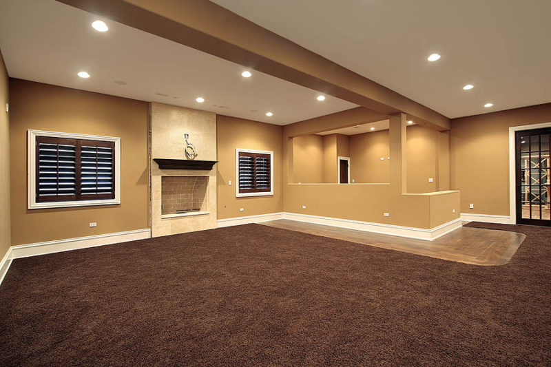 Basement With Straight Curtain Tracks